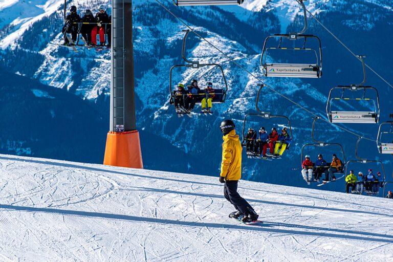 snowboarding-4763731_1920